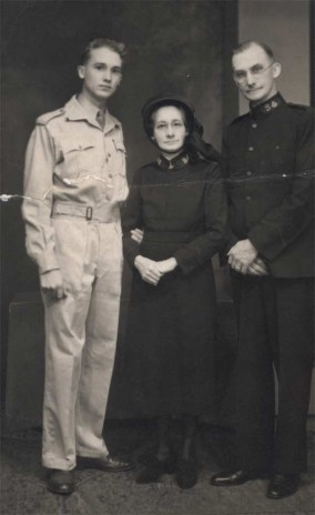 Cecil with parents